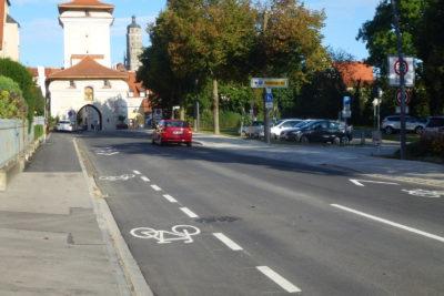 VAR+ plante für Nördlingen Schutzstreifen und Sharrows. So wird Radverkehr auf der Fahrbahn sichtbar und respektiert.